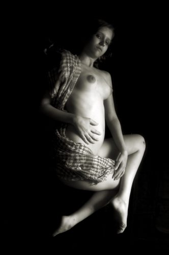 Pregnant Nude with Scarf (Charles Oscar Photo) (A12)
